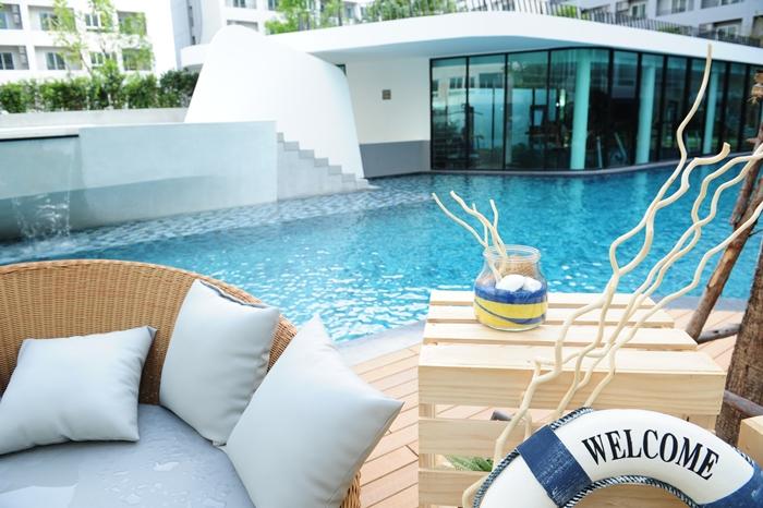 Elio Del-Ray At Swimming pool elio del ray Elio Del Ray | Showflat Hotline +65 97555202 | Bangkok Property Elio Del Ray At Swimming pool