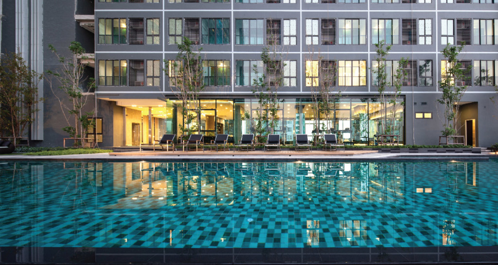 Ideo Sathorn- Thaphra Swimming Pool ideo sathorn thaphra Ideo Sathorn Thaphra | Showflat Hotline +65 97555202 | Bangkok Ideo Sathorn Thaphra Swimming Pool