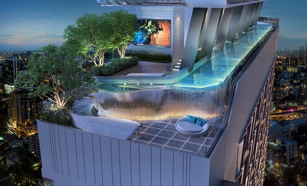 XT Ekkamai swimming pool